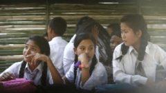 Nepal de Depremden Sonra Okullar Açıldı