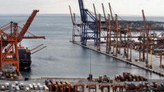 Pire limanı Çinlilere satıldı