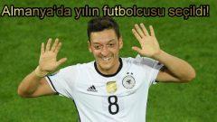 Mesut Özil Almanya'da yılın futbolcusu seçildi