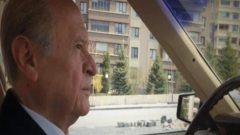 Bahçeli klasik otomobiliyle Ankara'da tura çıktı