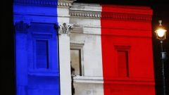 Fransa hükümeti istifa etti