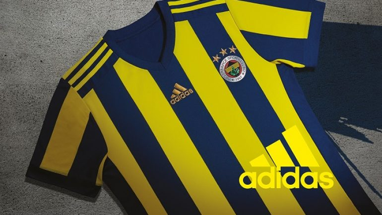 Adidas, Fenerbahçe 2017/18 sezon formalarını taraftar ile buluşturuyor