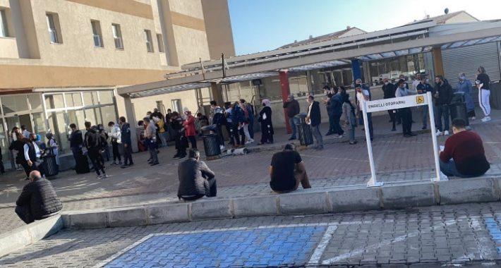 Taksim İlkyardım Hastanesi'nde korona kuyruğu!
