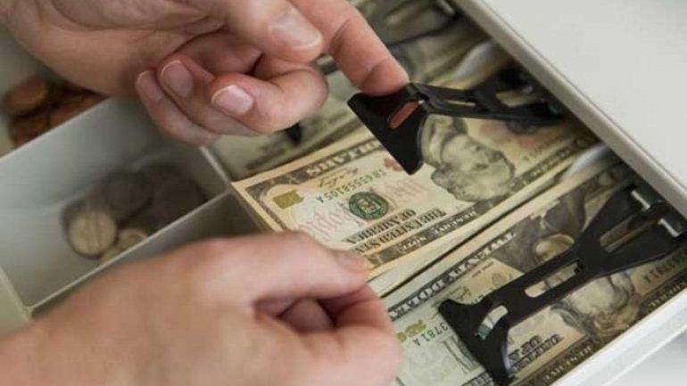 Dolar, TL karşısında değer kaybetmeyi sürdürüyor