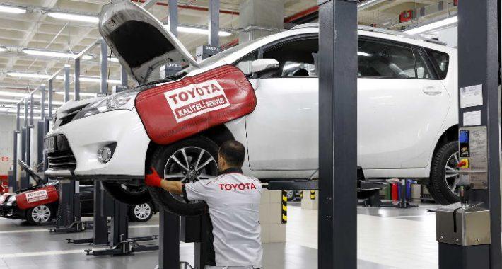 """Toyota Plaza Kar'dan """"İlkbahara Hazırlık"""" servis kampanyası"""